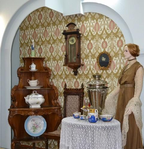 fragment-ekspozicii-kupecheskaya-stolovaya