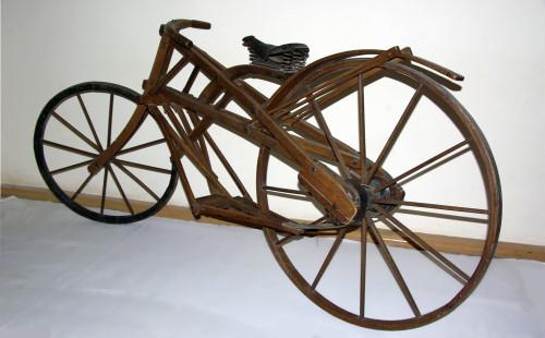 9. Велосипед 1909 г. мастер Н.И. Мельников
