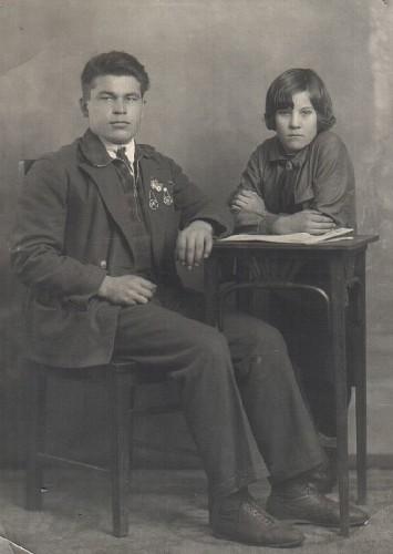 И.Н. Егоров с воспитанницей. Чистополь. 1937 г.