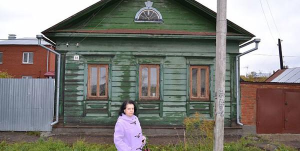 Режиссер Галина Долматовская побывала в Чистополе в доме №54 по улице Галактионова, где в годы войны проживала ее семья.
