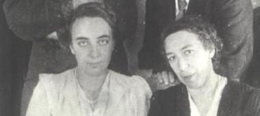 Семья К.А. Федина и А.Д. Авдеев. Слева направо стоят К.А. Федин, А.Д. Авдеев. Сидят Н. Федина, Д.С. Федина. Чистополь, 1942 г.