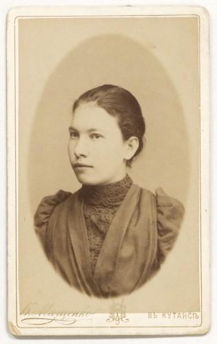 Александра Маяковская