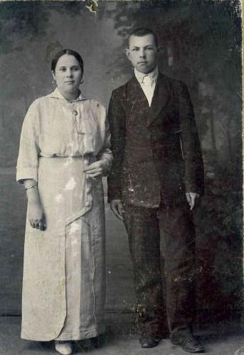 Супруга Павла Петровича Дмитриева с сыном